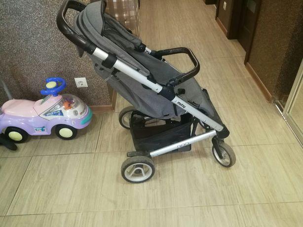 Продам дитячу коляску Mutsy nexo