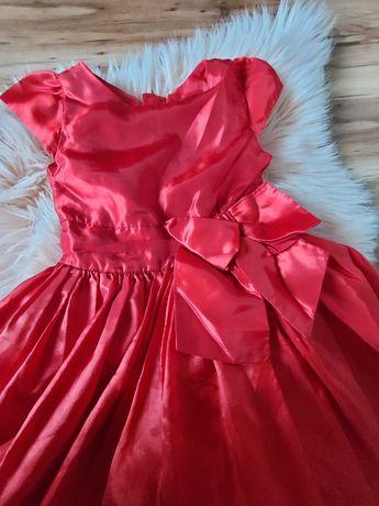 Piękna czerwona suknia rozmiar 98