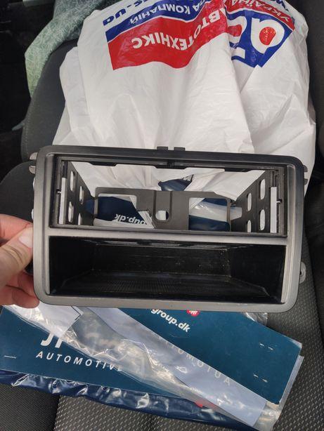 Рамка карман консоли skoda a5
