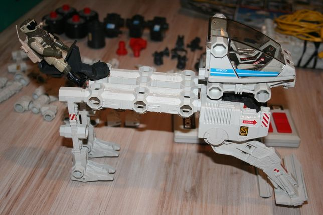 Robot Robotix R4000 made in USA - działa, Vintage 1984 prezent