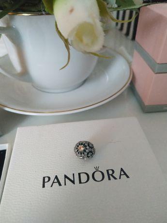 Pandora Moments charms Błysk