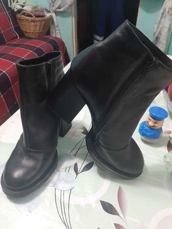 Обувь женская кожаные ботинки