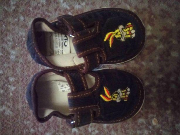 Детские тапочки, сандали, туфли