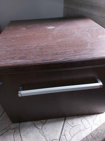 Komplet szafek łazienkowych