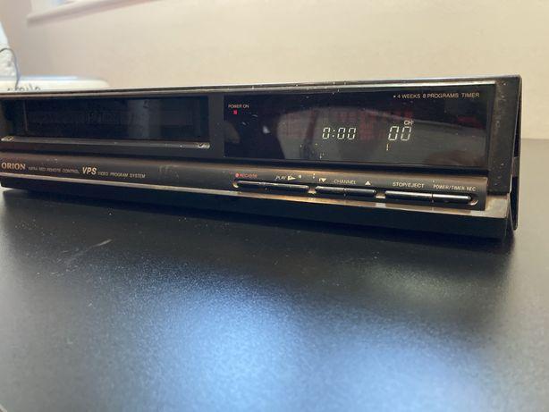 Odtwarzacz VHS video Orion na kasety z pilotem