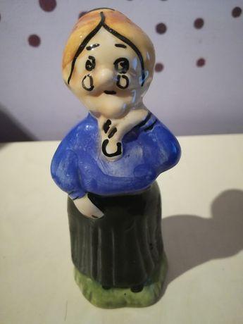 Figurka porcelana urocza - Babcia, Babuszka . -Sygnowana