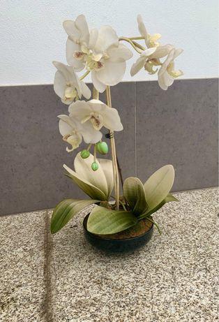 Orquídea em vaso artificial com 54cm altura