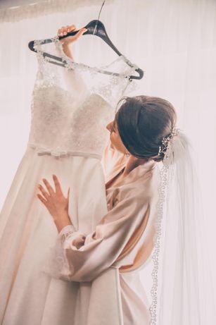 Тендітна весільна сукня