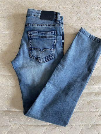 Spodnie jeansowe 152