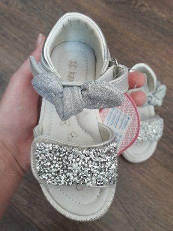 Нарядные босоножки для девочки. Красивые босоножки , туфли.
