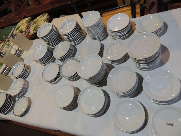 Kolekcja talerzyków deserowych lub pod szklankę różne po 1 zł