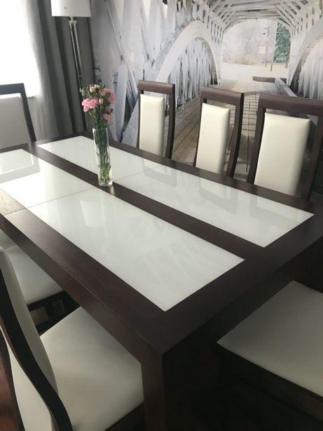 Stół + osiem krzeseł