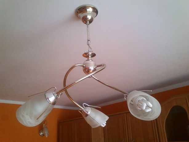 Lampa + 2x kinkiet Pilne