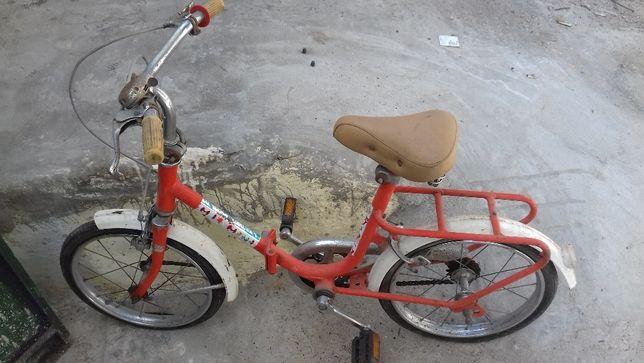 bicicleta desdobravel antiga em mt bom estado