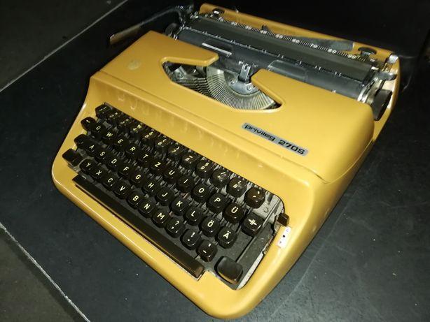 Máquina de escrever antiga.