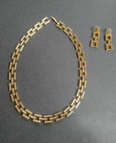 Na prezent komplet biżuterii sztucznej - naszyjnik i kolczyki