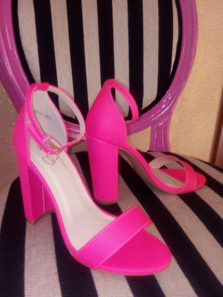Sandalki neon roz rozm.36