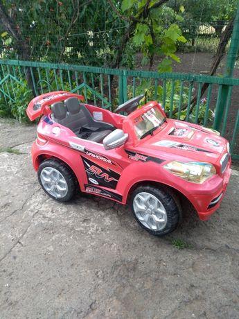 Детский электромобиль (джип BMW)