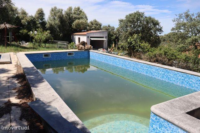 ARRAIOLOS - Moradia T3 tipo quintinha com 2.500m2 e piscina privativa
