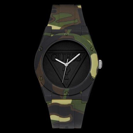 Zegarek unisex z Guess z roczną gwarancją - Military style ,zielony