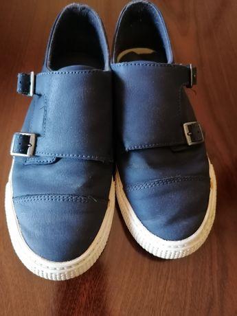 Sapatos azuis Zara