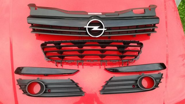 Opel Astra H III *Kratka Halogenu *Atrapa Gril *Listwa zderzaka
