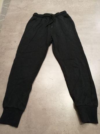 Spodnie dresowe Reserved roz. 134