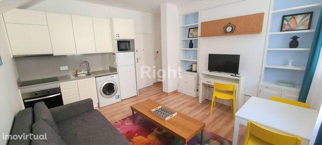 Apartamento T0 mobilado na Lapa