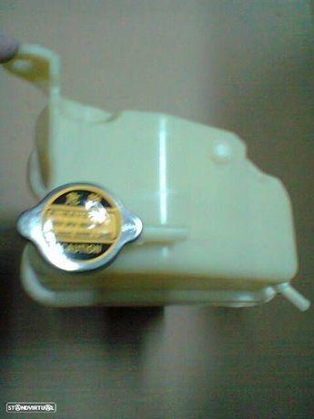 Depósito água Mitsubishi L400 Space gear (novo)
