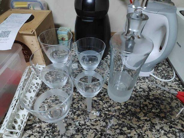 Copos de água, vinho e Garrafa em cristal da Spal
