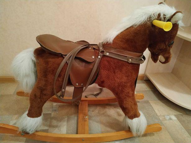 Лошадка-качалка 400 рублей