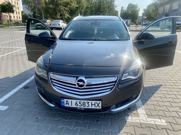 Opel insignia Sports Tourer 2.0 автомат 2014 не крашен