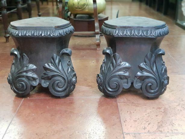 Par de colunas em madeira maciça