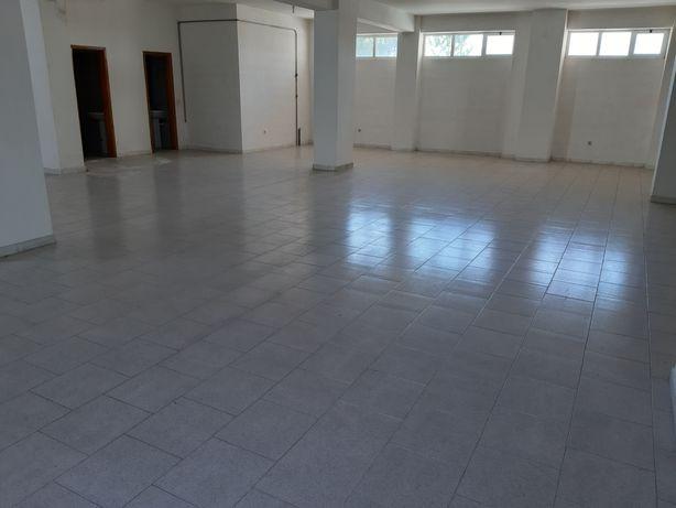 Alugo loja/armazém com 150 metros quadrados, Paços de Ferreira