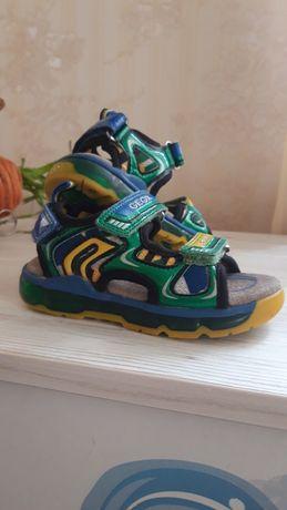 Босоножки, сандалики Geox 24