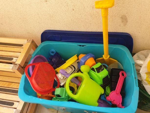Foremki żółwik na sznurku kufer foremek do piaskownicy zabawki 2+ 3+