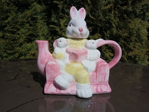 Króliczek, zajączek, dzbanek na herbatę