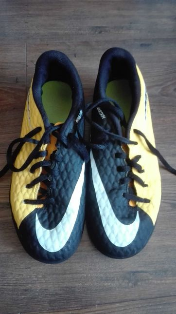 Turfy Nike rozmiar 38