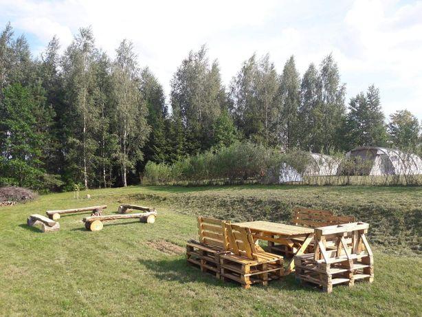 Pole biwakowe i kamperowe nad jeziorem i stawami