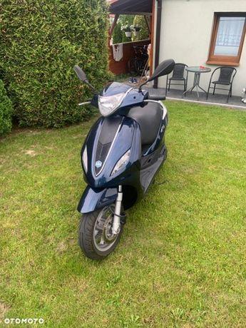 Piaggio FLY skuter 125 cm3