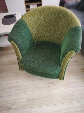Fotele w zamian za butelkę Carlo Rossi