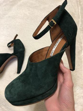 Красивые модные туфли