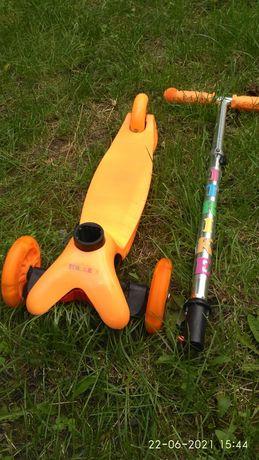 Продам детский самокат iTrake с светящимися колесами