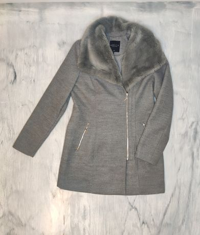 Płaszcz szary zimowy futro Mohito