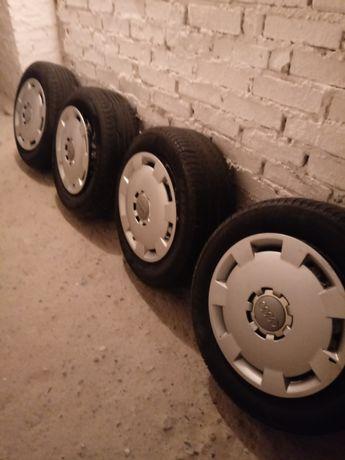 Felgi stalowe z oryginalnymi kołpakami Audi