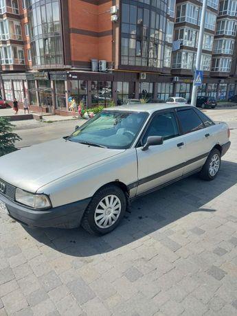 Автомобіль Audi 80