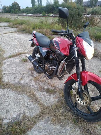 Мотоцикл 200 кубів