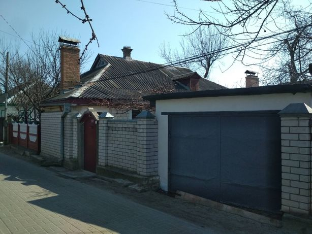 """Частина будинку з """"врем'янкою"""" і гаражем, Казбет (п3)"""