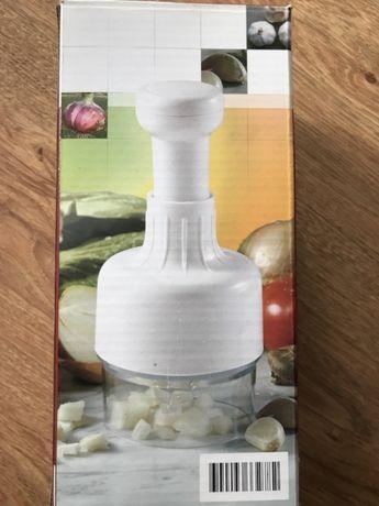Urządzenie do szatkowania cebuli i warzyw