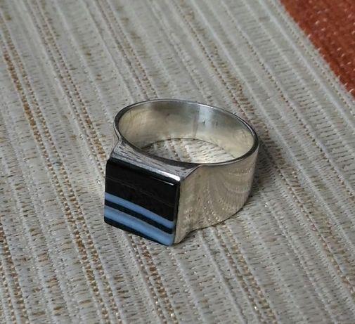 Pierścionek srebrny z agtem brazylijskim